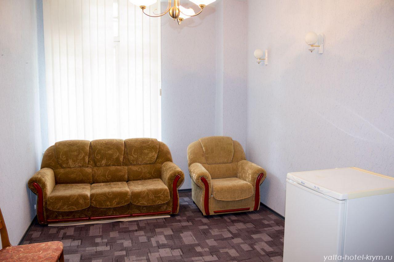 Снять номер в отеле гостинице в Ялте №102-4