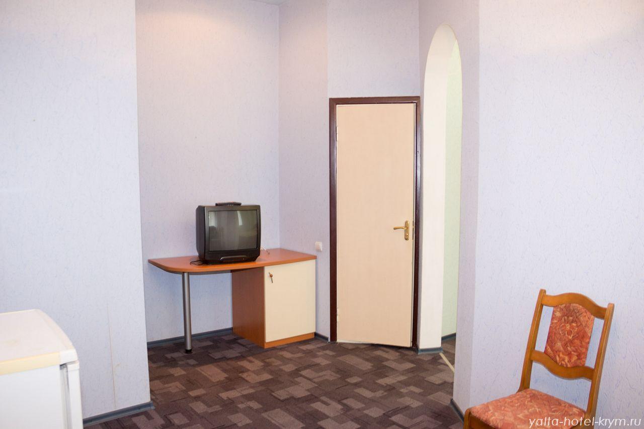 Снять номер в отеле гостинице в Ялте №102-5