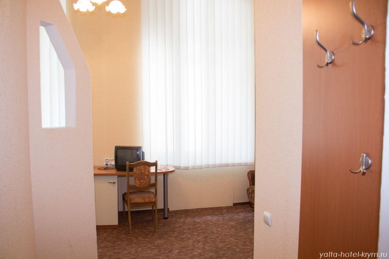 yalta-park-hotel-krym-n203-1