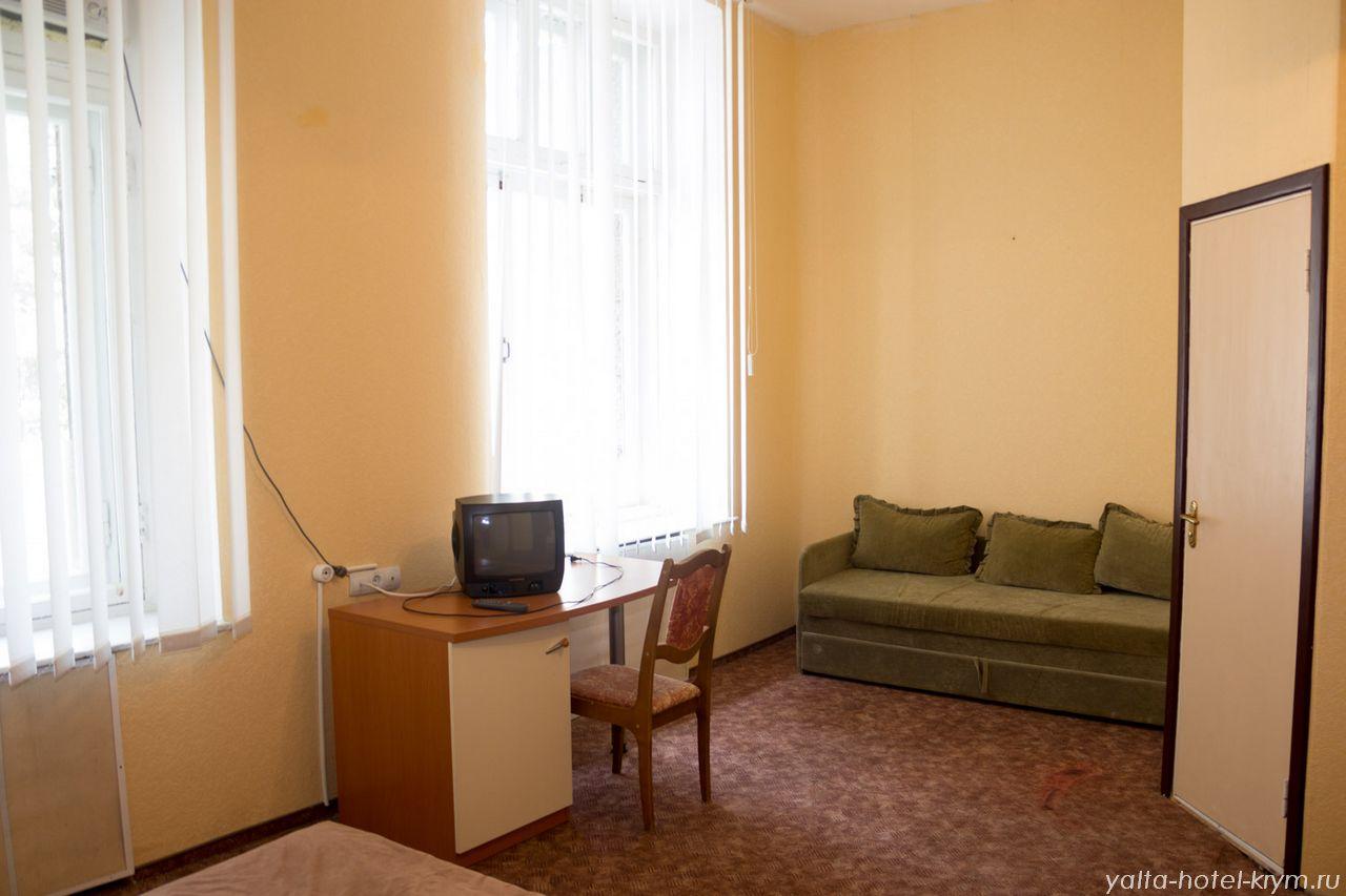 Снять номер в отеле гостинице в Ялте №204-2