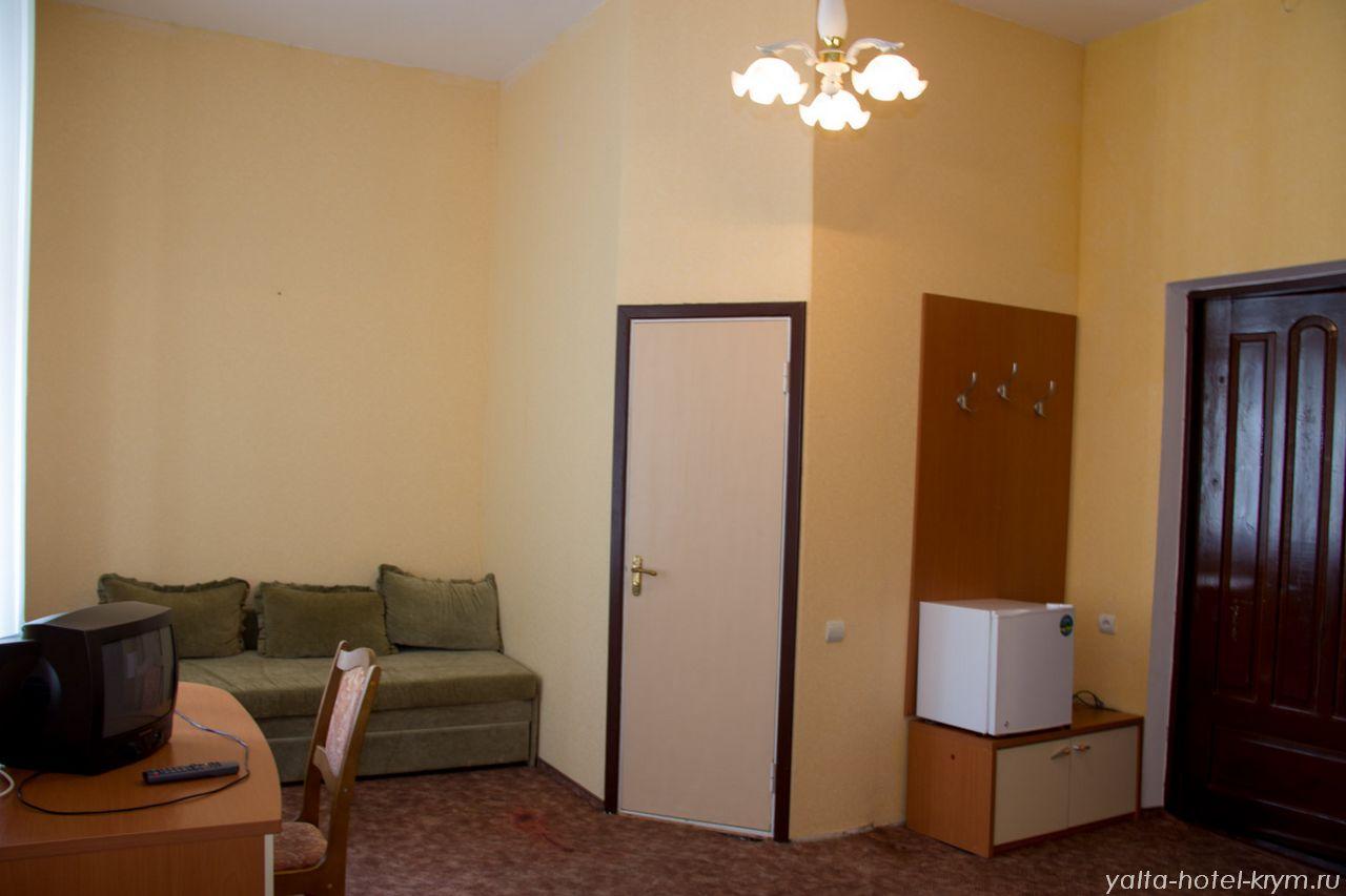 Снять номер в отеле гостинице в Ялте №204-3