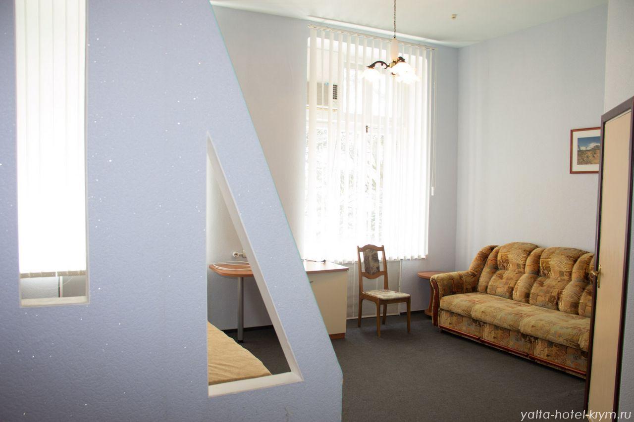 Снять номер в отеле гостинице в Ялте №208-1