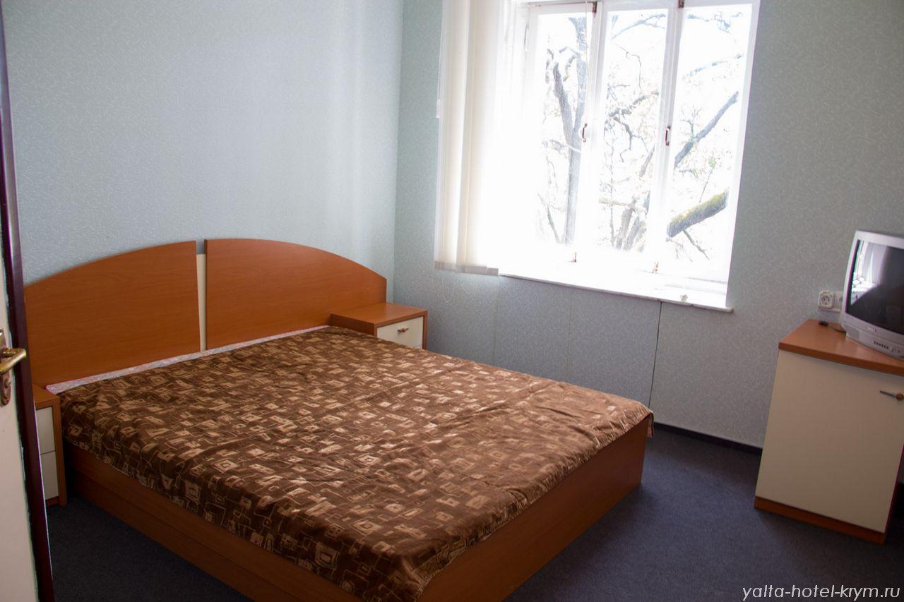 yalta-park-hotel-krym-n210-1