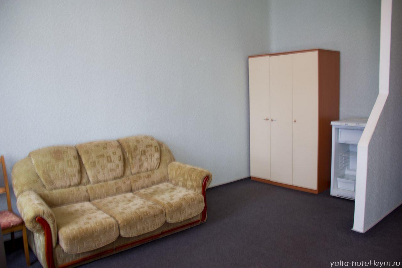 Снять номер в отеле гостинице в Ялте №210-3