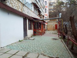 2-х комн. квартира в Ялте, 1-й этаж, дворик! | Недвижимость Крым, ЮБК, Ялта