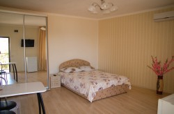 Аренда: Апартамент-студия в Гурзуфе, длительно. ЮБК - Крым