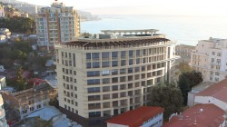 Продажа: 1-к квартира 63 м², комплекс Ялта Плаза в Крыму. ЮБК - Крым