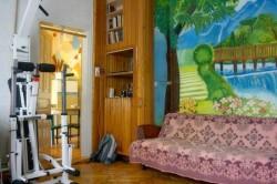 Вид - комната второй диван, тренажер | Недвижимость Крым, ЮБК, Ялта