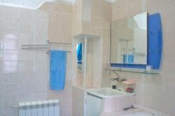 Умывальник с зеркалом | Недвижимость Крым, ЮБК, Ялта