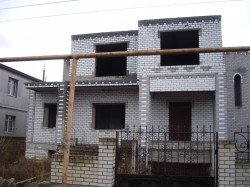 Продажа: срочно! дом 2-хэтажный+цоколь, с.Уютное 2-3 км от г.Евпатория. ЮБК - Крым