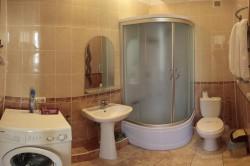 Санузел с душевой и стиральной машинкой | Недвижимость Крым, ЮБК, Ялта