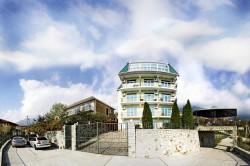 гостиница в Ялте, 4 этажа+мансарда | Недвижимость Крым, ЮБК, Ялта