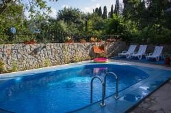 Вилла в Ялте с бассейном, номера люксы | Недвижимость Крым, ЮБК, Ялта