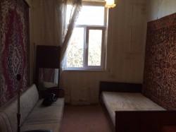 Продажа: 1-комнатная квартира (малосемейка) в г. Алупке. ЮБК - Крым