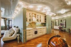 Продажа: элитные апартаменты в центре Ялты, вид на море, шикарная мебель. ЮБК - Крым