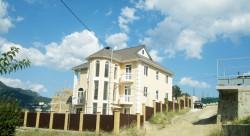 Продажа: 3-х этажный дом с видом на море и горы, 6 соток земли. ЮБК - Крым