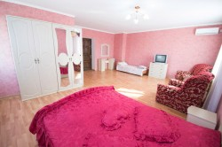Продажа: недорого гостиница на 30 номеров + ресторан, Феодосия. ЮБК - Крым