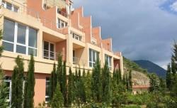 Продажа: апартаменты у моря (20 м.), п. Лазурное, Алушта. ЮБК - Крым