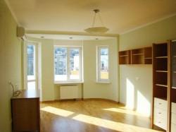 Продажа: 3-х комнатные апартаменты в Ялте, 400 м от моря. ЮБК - Крым