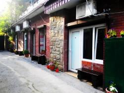 Продажа: гостиница в Гурзуфе, 8 номеров, 100 м. до моря, ЮБК. ЮБК - Крым